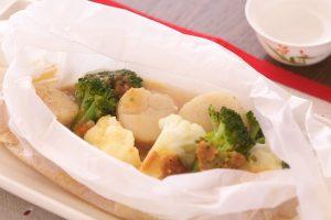 ホタテと冬野菜の包み蒸し