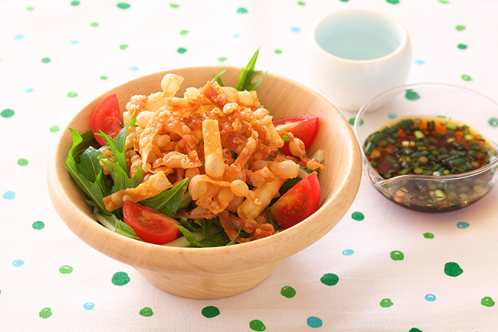 水菜と揚げワンタンのパリパリサラダ