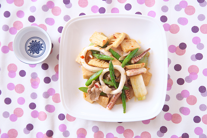 いかと春野菜のピリ辛炒め