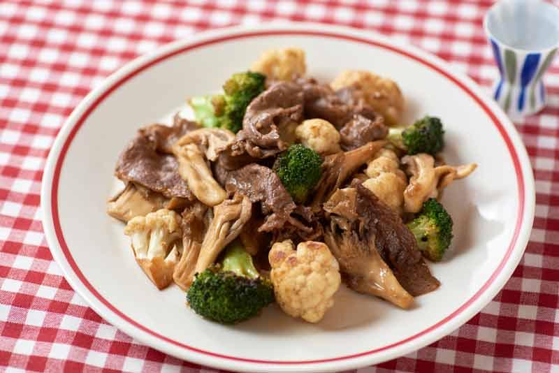 牛肉とブロ・カリマヨソテー
